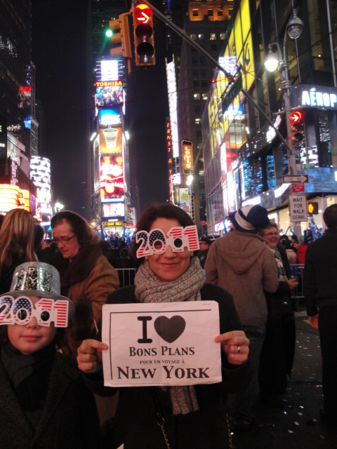 Laure à Times Square pour le Jour de l'An !!! (Énorme cette photo !)