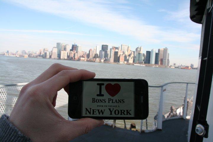 Hervé sur le ferry avec une superbe vue sur Manhattan !!!- Février 2011