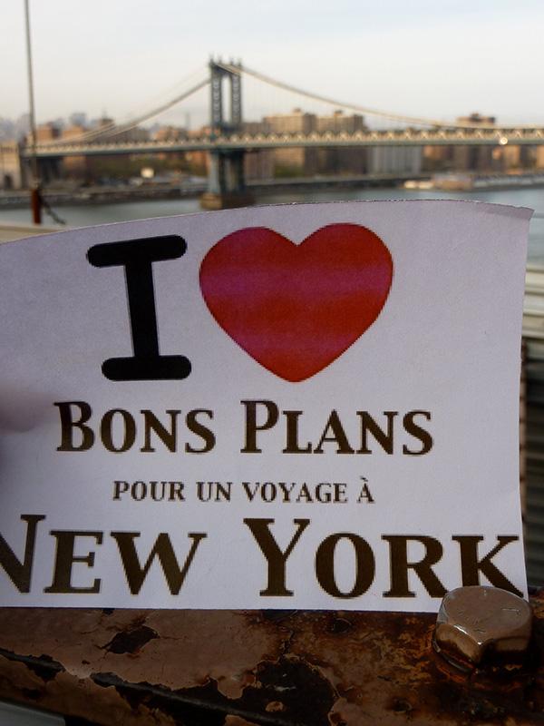 Sophie avec le pont de Manhattan en arrière plan. - Avril 2011