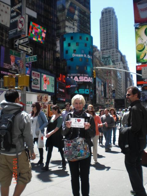 Marie au milieu de Times Square - Mai 2011