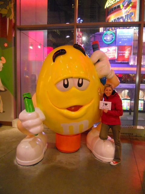Delphine au M&M's Store de Times Square - Mai 2012
