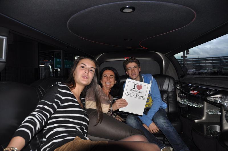 Sylvie et ses enfants, Claire et Virgile dans la limousine (et Antoine qui prend la photo) - Novembre 2012