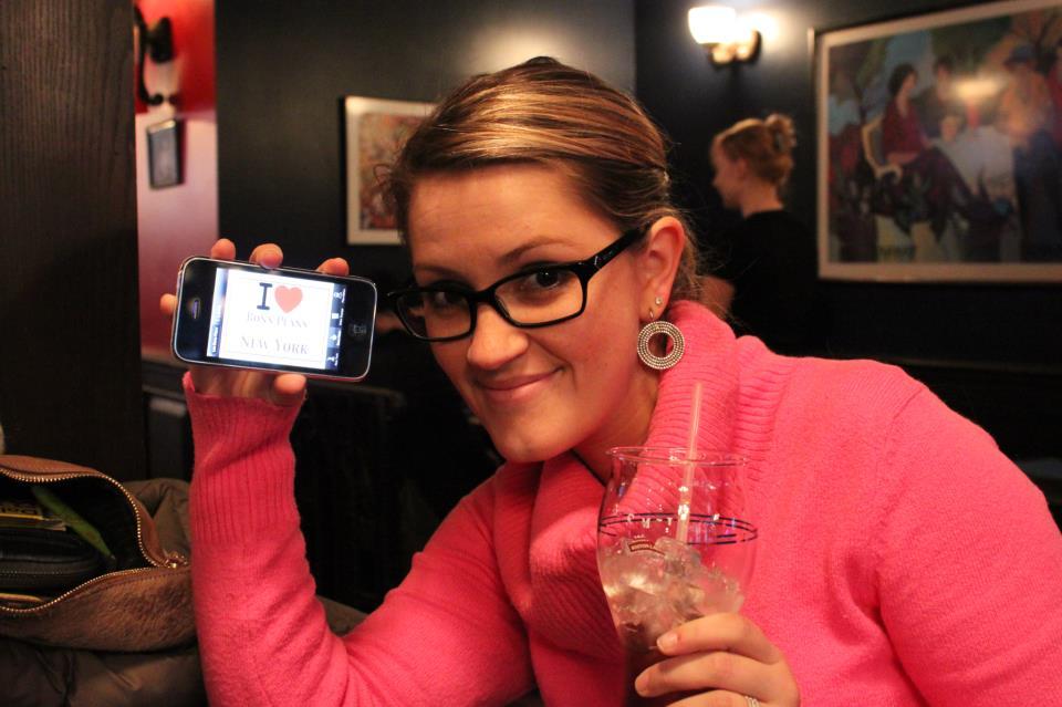 Jessica dans un bar près de Bryant Park - Février 2013