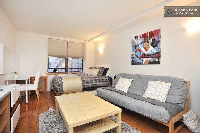 les appartements lou s et test s par les french 39 yorkers. Black Bedroom Furniture Sets. Home Design Ideas