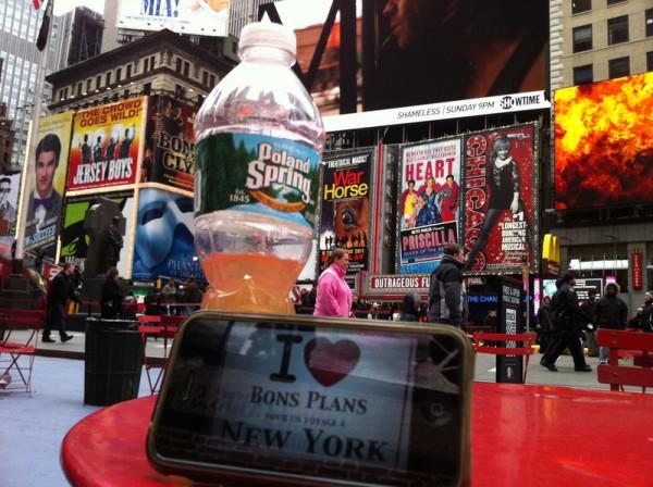 Marie, François et leur téléphone à Times Square – Janvier 2012