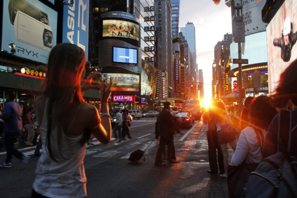 Manhattanhenge à New York City sur Times Square