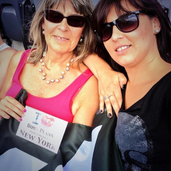 Julie et sa maman au premier match des New York Jets de la saison 2013-14 - Septembre 2013