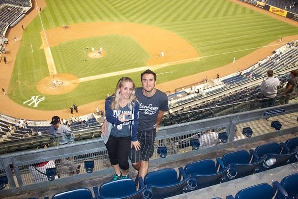Léa et son chéri au Yankee Stadium - Septembre 2013