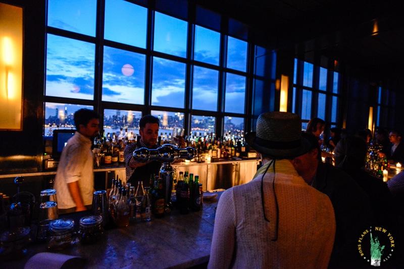 D 233 Couvrez The Ides Le Bar Rooftop Du Wythe Hotel De