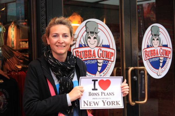 Caroline chez Bubba Gump pour une dédicace pour les fans de Forrest Gump  - Octobre 2013