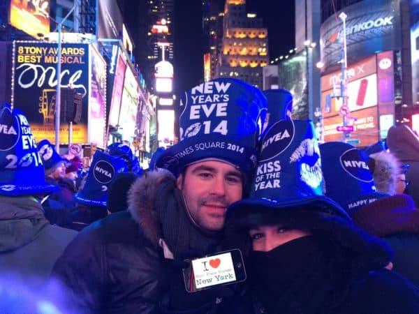 Dédicace de Florian et Céline pour le Nouvel An 2014 sur Times Square
