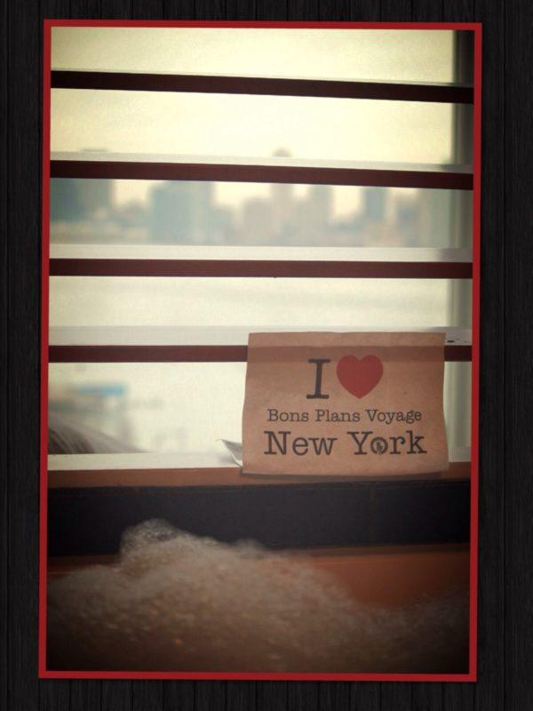 Dédicace de Bbblu dans la salle de bain de la chambre 819 au Standard Hotel de New York - Mars 2014