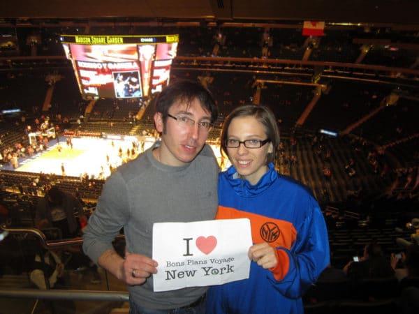 Dédicace de Sophie et Micka au Madison Square Garden pour le match NY Knicks contre Philadelphie Sixers - Mars 2014.