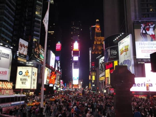 Times_Square_at_night-_Manhattan,_New_York_City,_United_States_of_America_(9867902105)