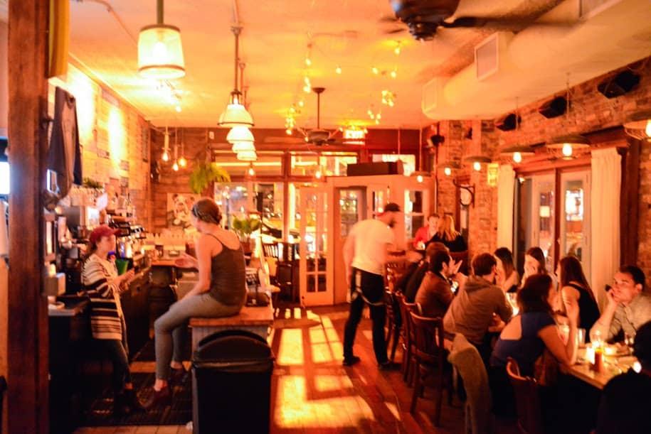 Bon Restaurant Quartier Bvd St Martin