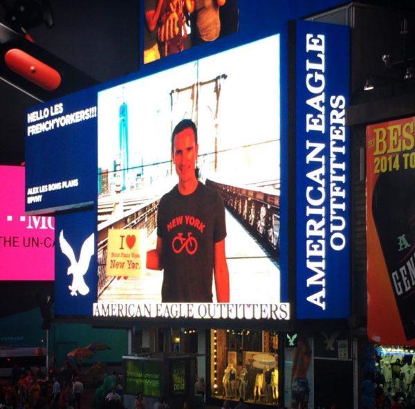 Petite dédicace que j'ai fait mardi sur l'écran géant de Times Square ! :)