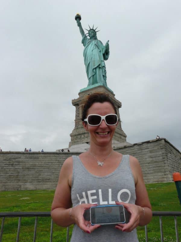 Dédicace de Corinne devant la Statue de la Liberté - Juillet 2015