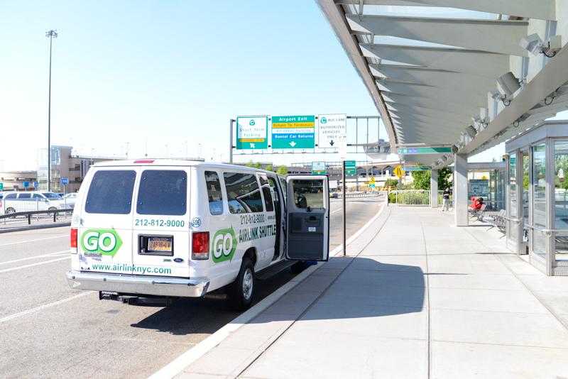 Aeroporto New York Newark : Tutoriel pour réserver un voyage en shuttle avec go