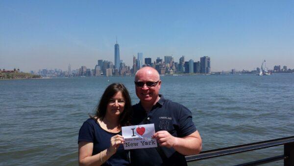 Dédicace d'Olivier et sa chérie depuis Liberty Island - Mai 2015