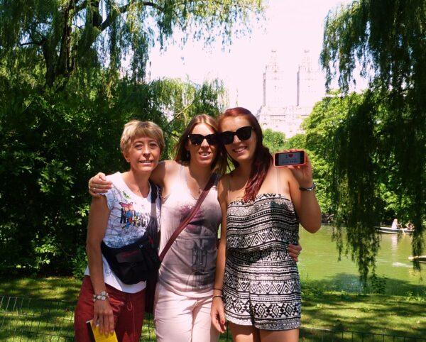 Dédicace de Pauline et de Clarisse depuis Central Park !