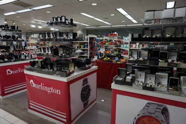 un bon plan shopping pas cher les magasins burlington coat factory. Black Bedroom Furniture Sets. Home Design Ideas