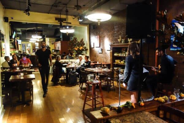 Restaurant Proche Du  Rue Des Minimes Courbevoie