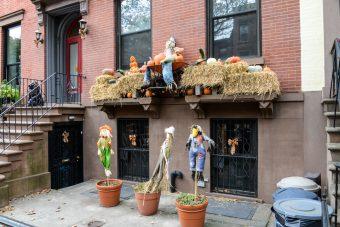 decorations halloween new york bonhomme de paille