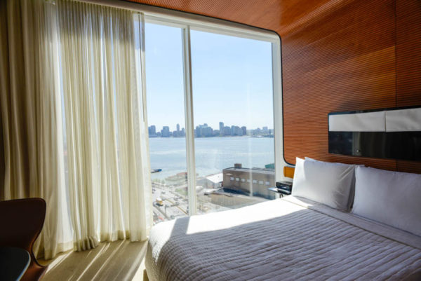 Standard Hotel High Line deluxe king ROOM