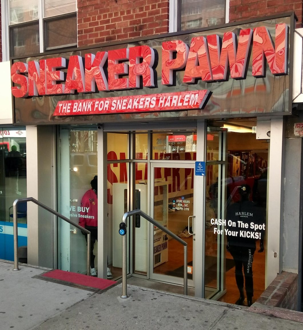 3454171c7fe FLIGHT CLUB   Magasin situé au 812 Broadway et site internet bien connu des  sneakers addicts