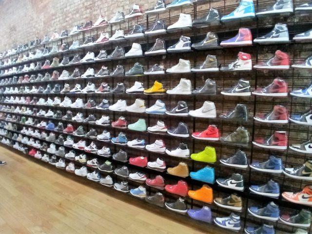 add075ad311 Où acheter des Sneakers et des Converse à New York