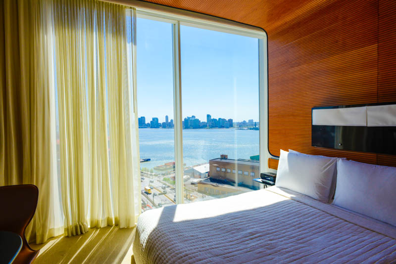 Standard Hotel High Line deluxe king ROOM