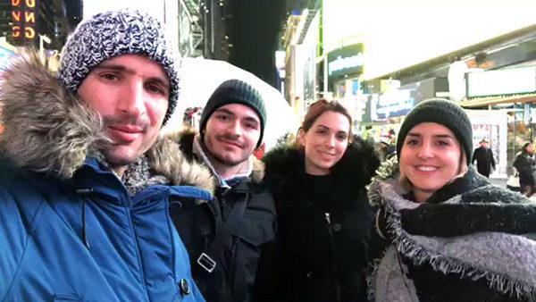 Alex, Maxime, Olivia et Florie à Times Square