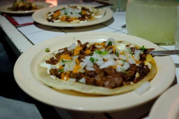 tacombi restaurant new york plat tacos