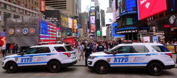 nypd times square  SUV Ford Explorer