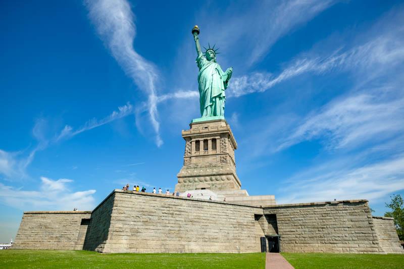 différence entre billet d avion et carte d embarquement Visitez la Statue de la Liberté et Ellis Island