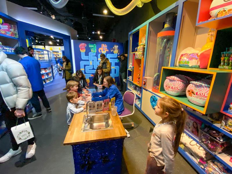 magasin de jouets pour enfants camp activités