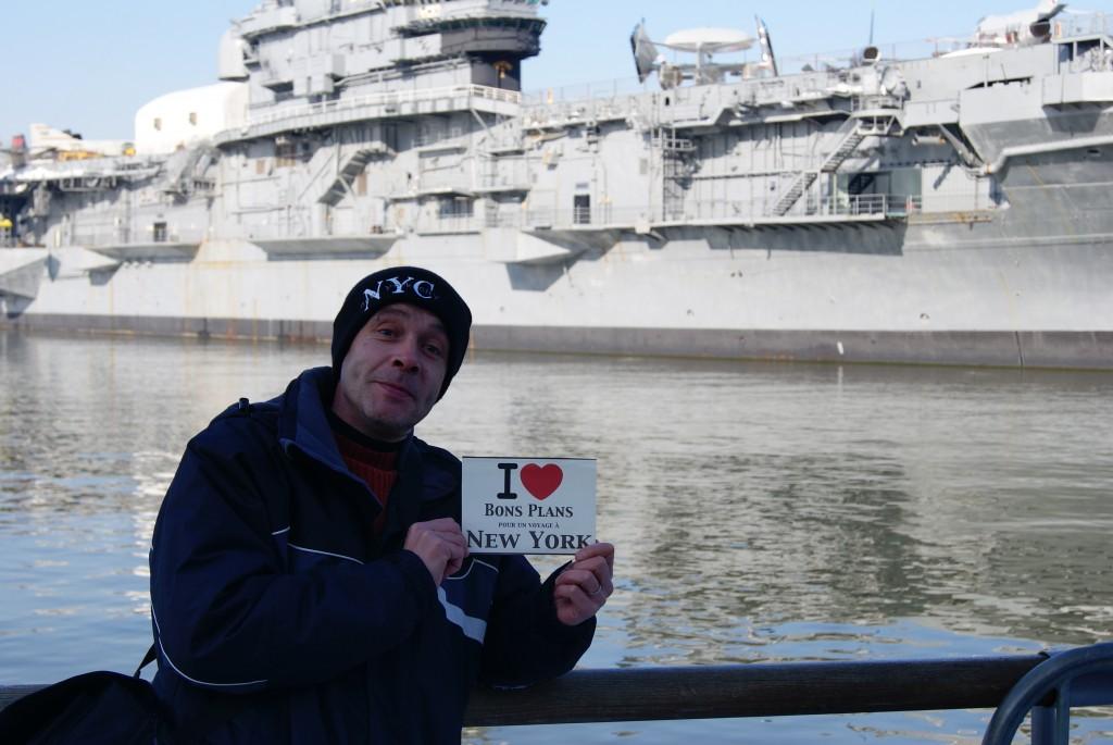 Patrick avec un des fleurons de la marine US !!! - Décembre 2010