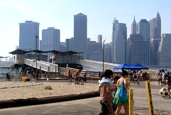 brooklyn-bridge-park-beach