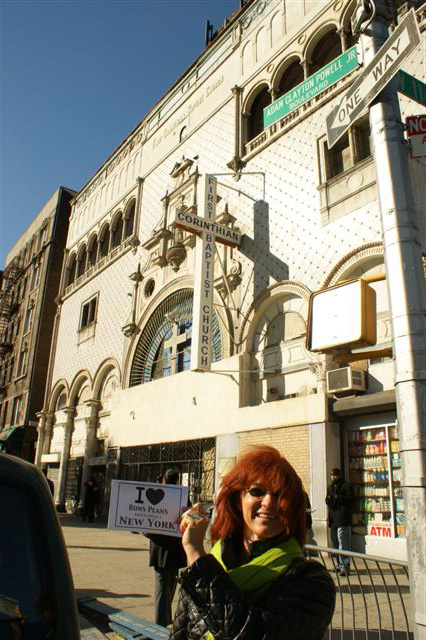 Rita devant la First Corinthian Baptist Church de Harlem - Novembre 2010