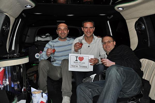 Avec mes deux potos Eric & Oliv' dans la Limo en arrivant de JFK !!! C'est parti le New York Trip 2011 !!! - Avril 2011