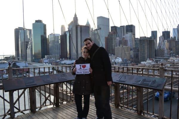 David et sa petite chérie sur le Brooklyn Bridge - Mars 2011