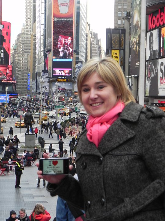 Julien Roche's wife in Times Square ! - Mars 2011
