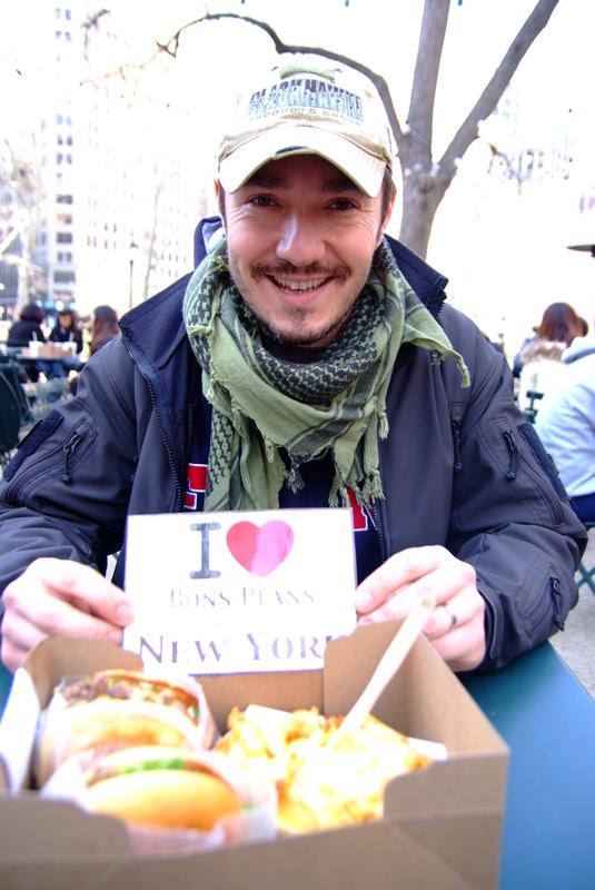 Llunatik avec de délicieux burgers et frites du Shake Shack - Mars 2011