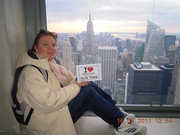 Sandrine avec une superbe vue sur Manhattan et surtout l'Empire State Building - Mars 2011