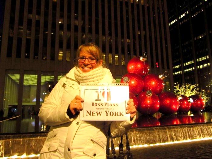 Leslie sur 6th Av. en face du Radio City Music Hall - Décembre 2011  I love bons plans new york
