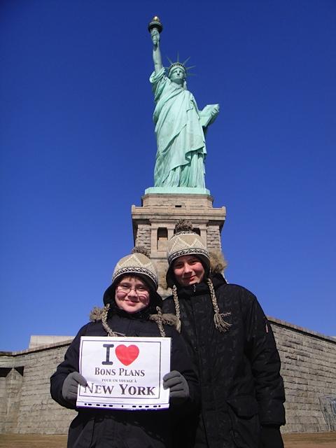Charly & Allan au pied de la Statue de la Liberté - Février 2012
