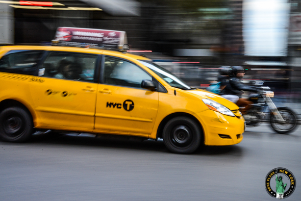 Book a taxi from manhattan to jfk