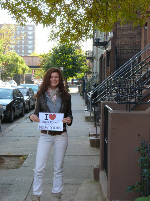 Catessina devant son appartement à Harlem - Octobre 2012