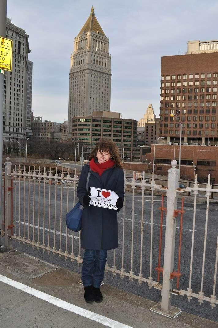 La femme de Michelle en bas du Brooklyn Bridge - Janvier 2013