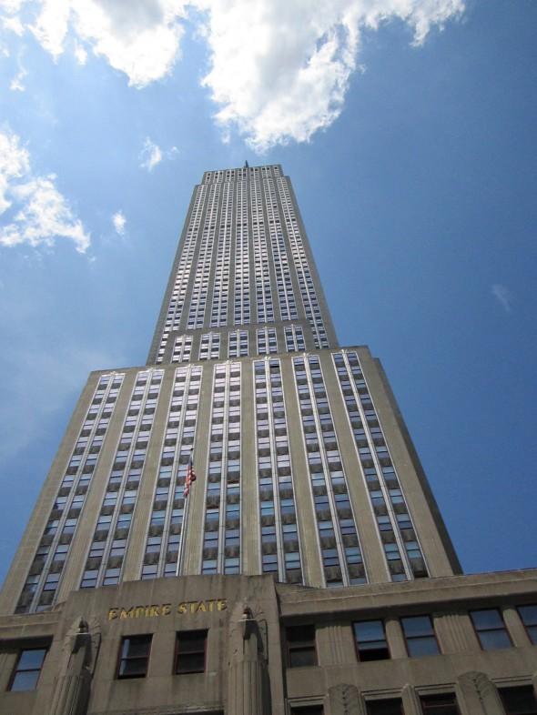 La photo de l'Empire State Building de Delphine. Pas facile de le prendre en entier vu sa taille. Photo prise le 9 juillet 2012.